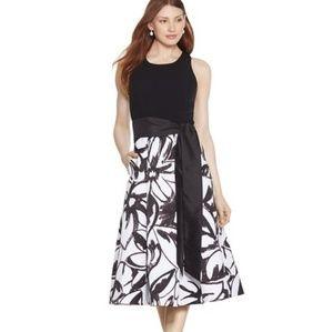 WHBM Black White Sleeveless Fit Flare Midi Dress 0